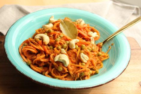 Rohkost Spaghetti aus Süßkartoffel und Karotte
