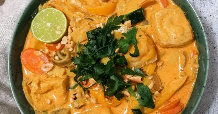 Veganes Kokos-Curry mit Erdnussbutter
