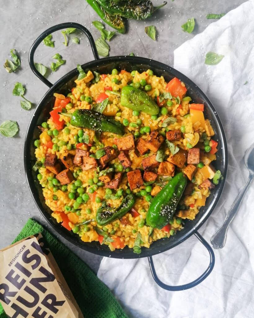 Vegetarische Paella mit Tofu