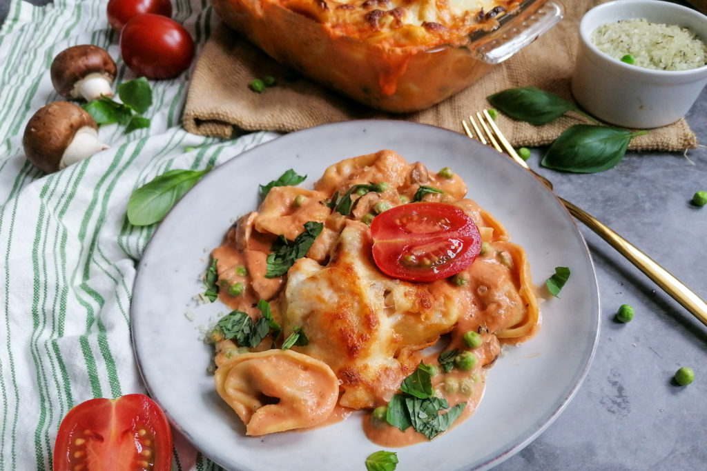 Tortellini in Tomaten-Sahne-Soße überbacken