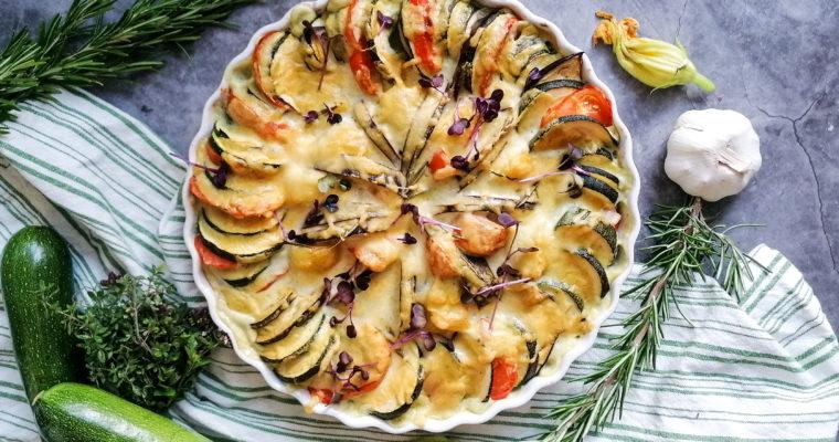 Tomaten Zucchini Gratin mit Cashewkernen
