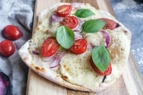 Flammkuchen Tomate Mozarella