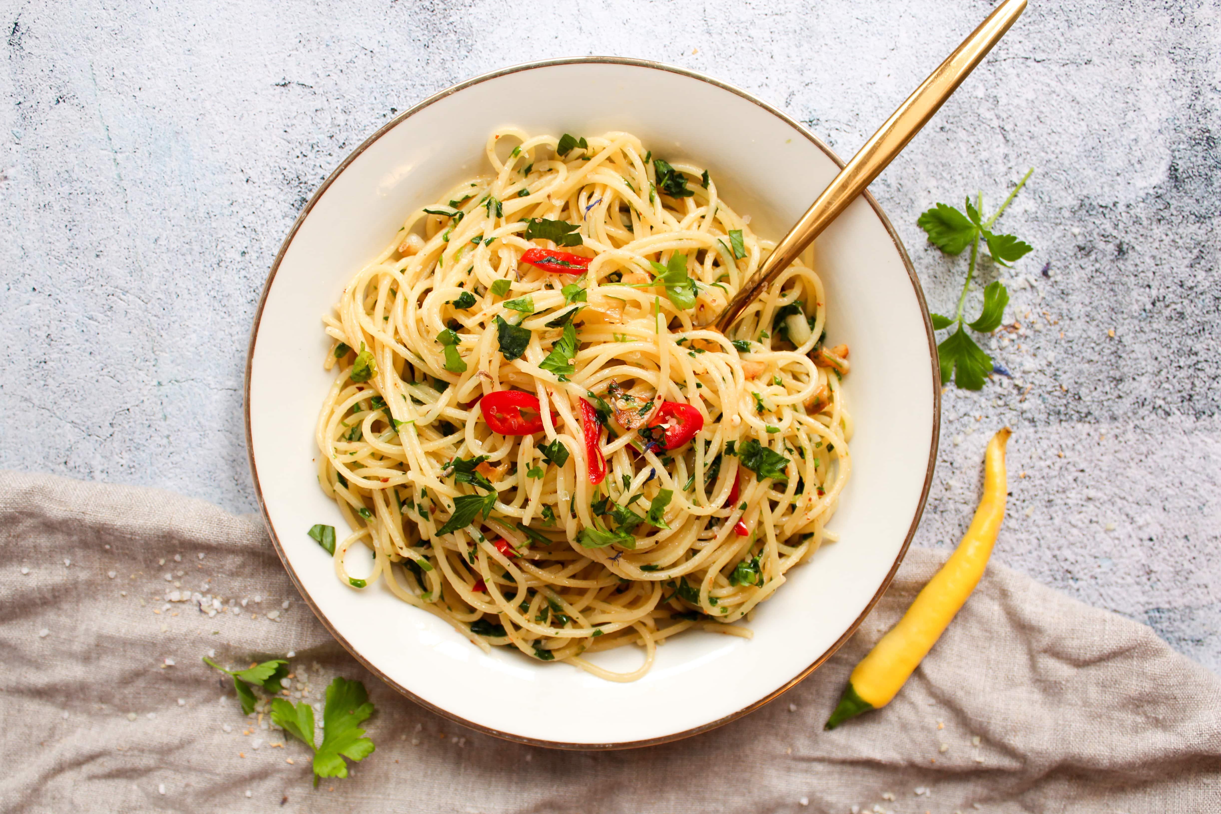 Spaghetti aglio e Olio   Genuss des Lebens   Vegetarische, gesunde ...