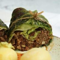 Vegetarische Kohlrouladen mit Linsen und Champignons