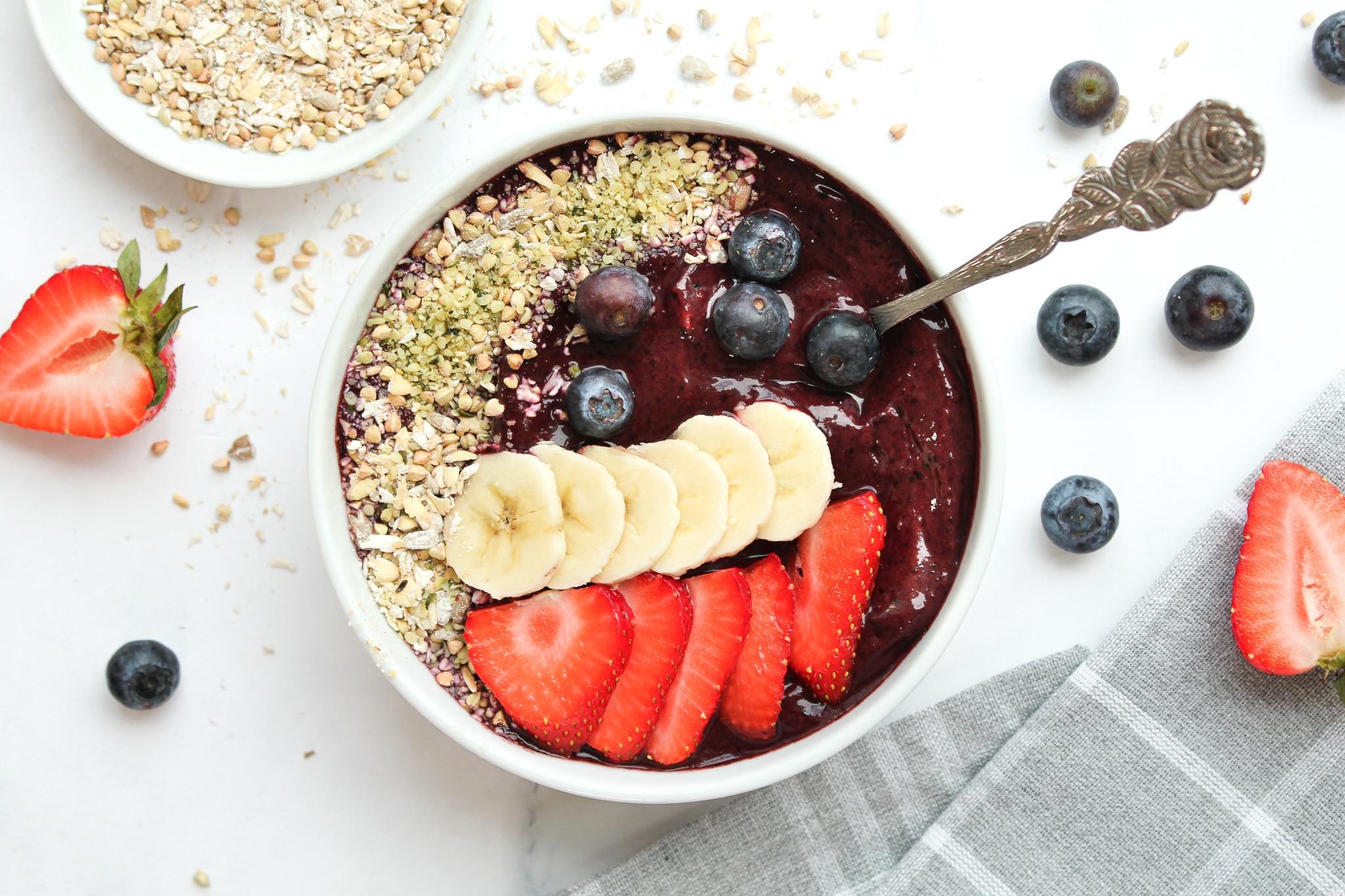 Acai Bowl Rezept mit Pulver - vegan