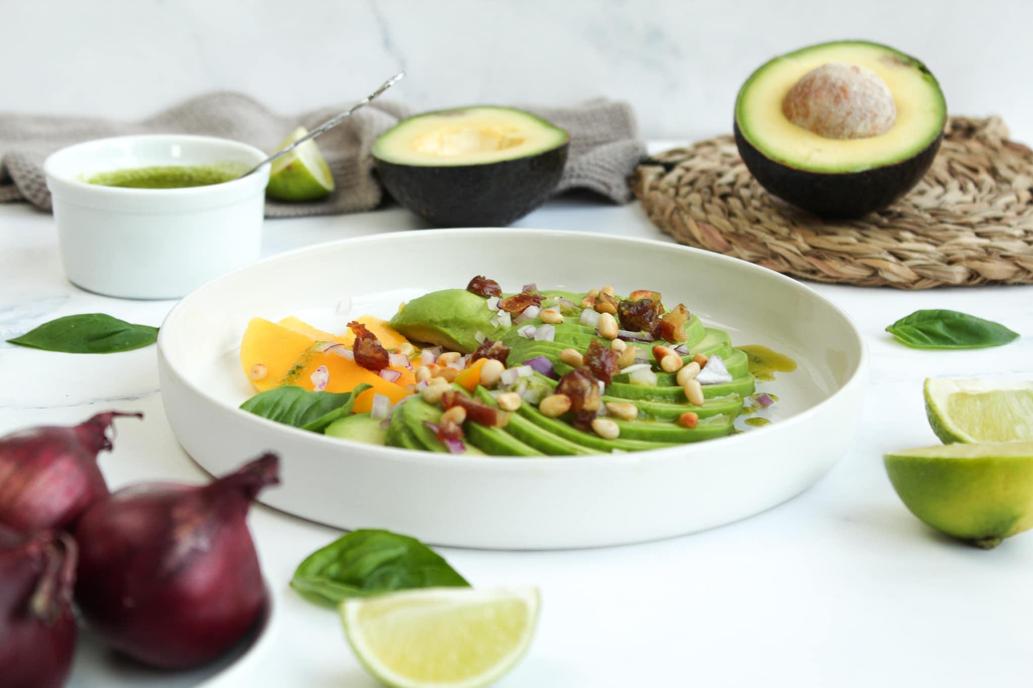 vegane Vorspeise mit Avocado