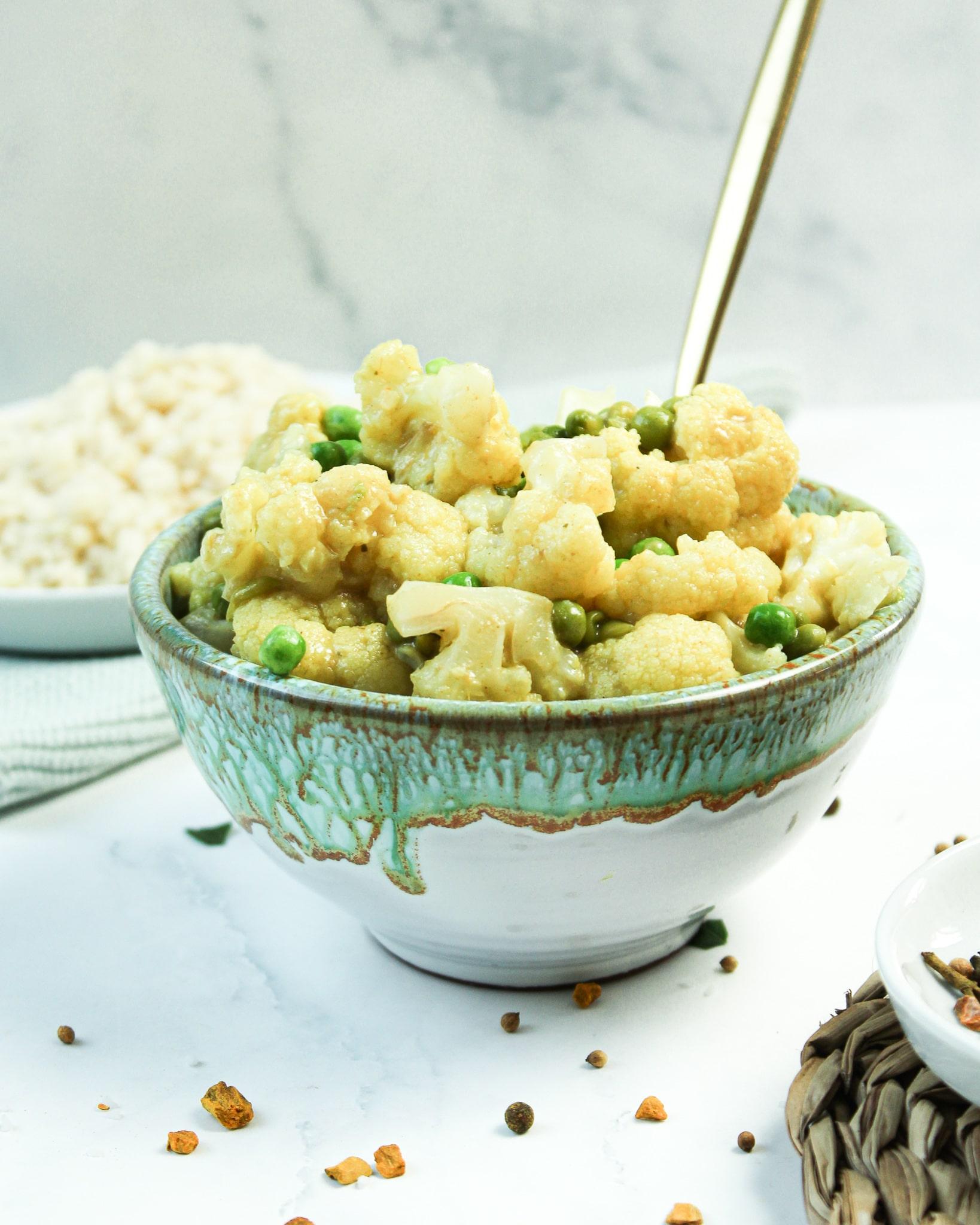 Blumenkohl Curry mit Erbsen