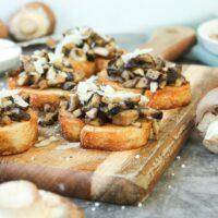 Pilz Bruschetta mit Champignons und Shiitake
